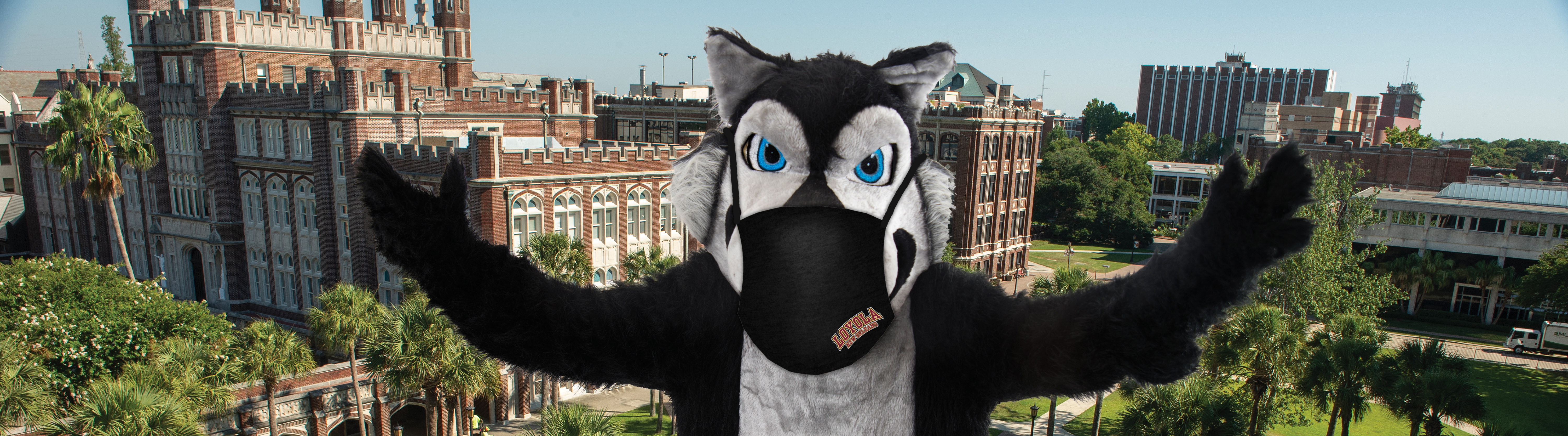Havoc wearing face mask on campus
